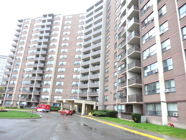 451 the west mall 209 etobicoke condo home real estate tom Pobojewski