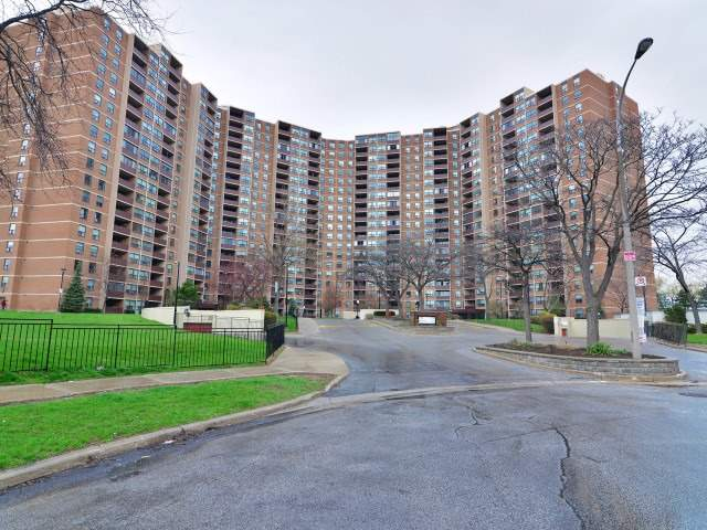 1912 716 the west mall toronto condo apartment tom pobojewski realtor for sale sold