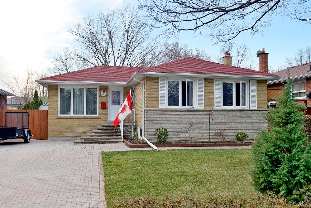 1312 Daimler Rd. Clarkson Mississauga Real esatate for sale home house detached tom pobojewski